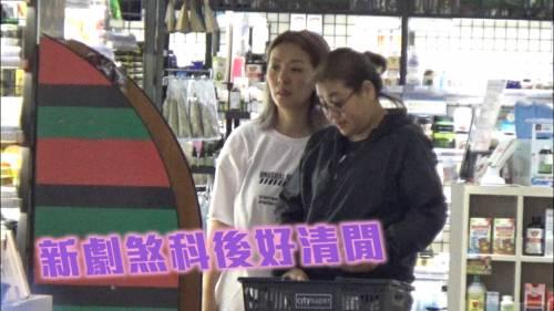51歲郭少芸         喪買零食煲劇